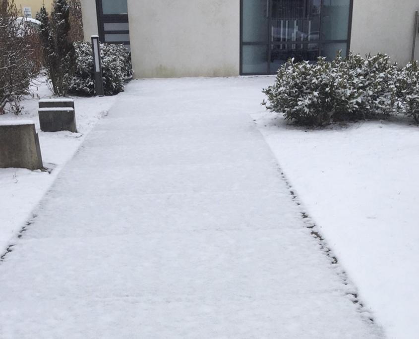 Winterdienst am Gehweg